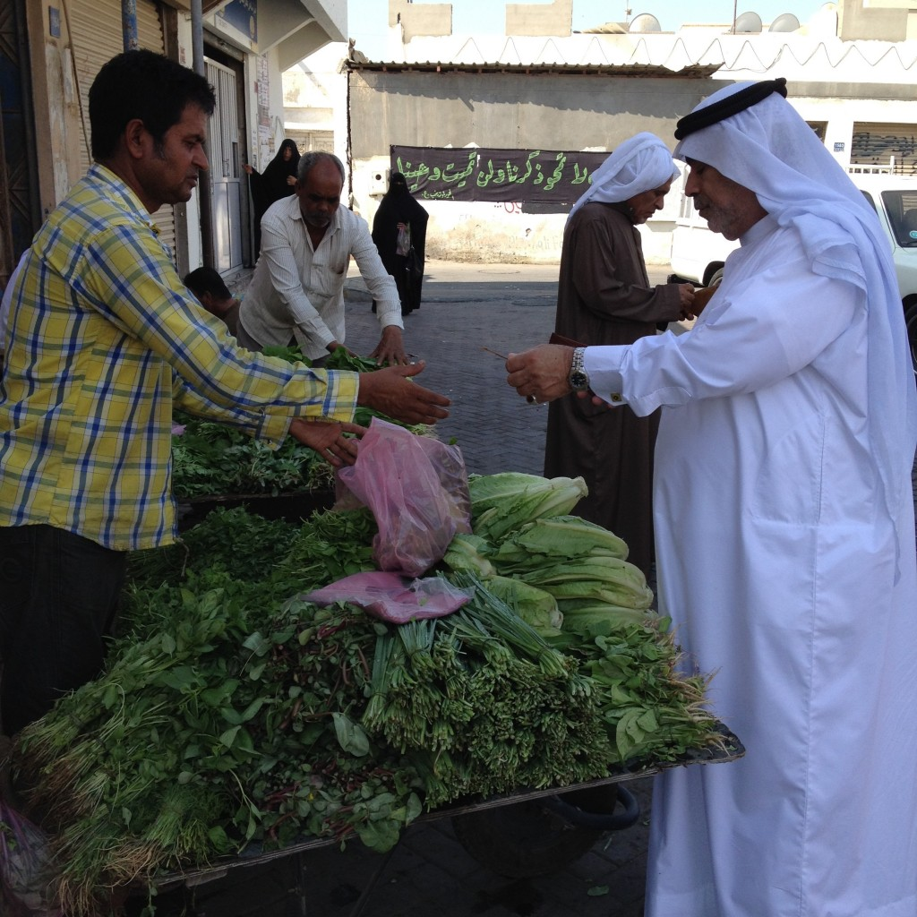 Many workers are hired by Bahraini farms to sell their daily produce. Some migrants who have lost their legal status end up reselling cheap produce, especially to other migrants. Migrants are key players in the local markets of Bahrain. Unlike their counterparts in Saudi Arabia, they are not targeted by job-nationalization programs as Bahraini business owners continue to rely on them for market distribution.
