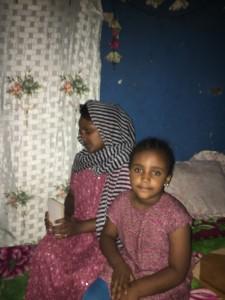 طفلة أبيبا ذات السنوات السبع متحمسة لذهاب والدتها إلى دبي. هي وصديقاتها يعتقدن أن تلك هي الطريقة المثلى لتحسين حياتهما.