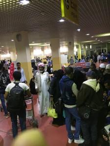 مطار أديس مكتظ مع عودة المهاجرين من دول مجلس التعاون الخليجي سواء طوعًا او قسرًا.